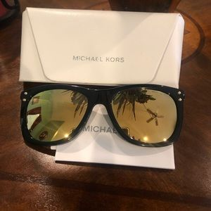 New without tag- Michael Kors Sunglasses with case